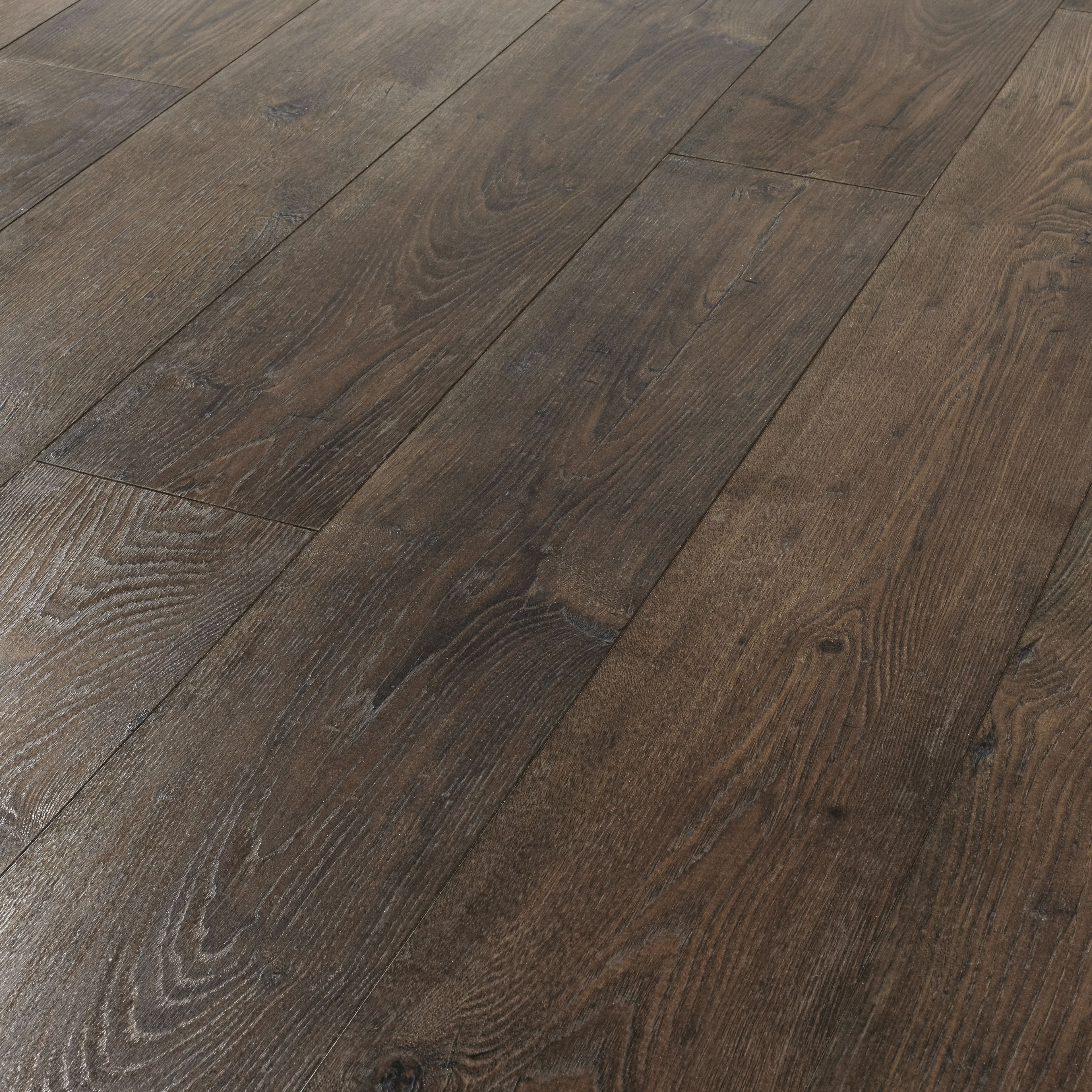 Compare cheap offers & prices of Wickes Formosa Antique Chestnut Laminate Flooring manufactured by Wickes