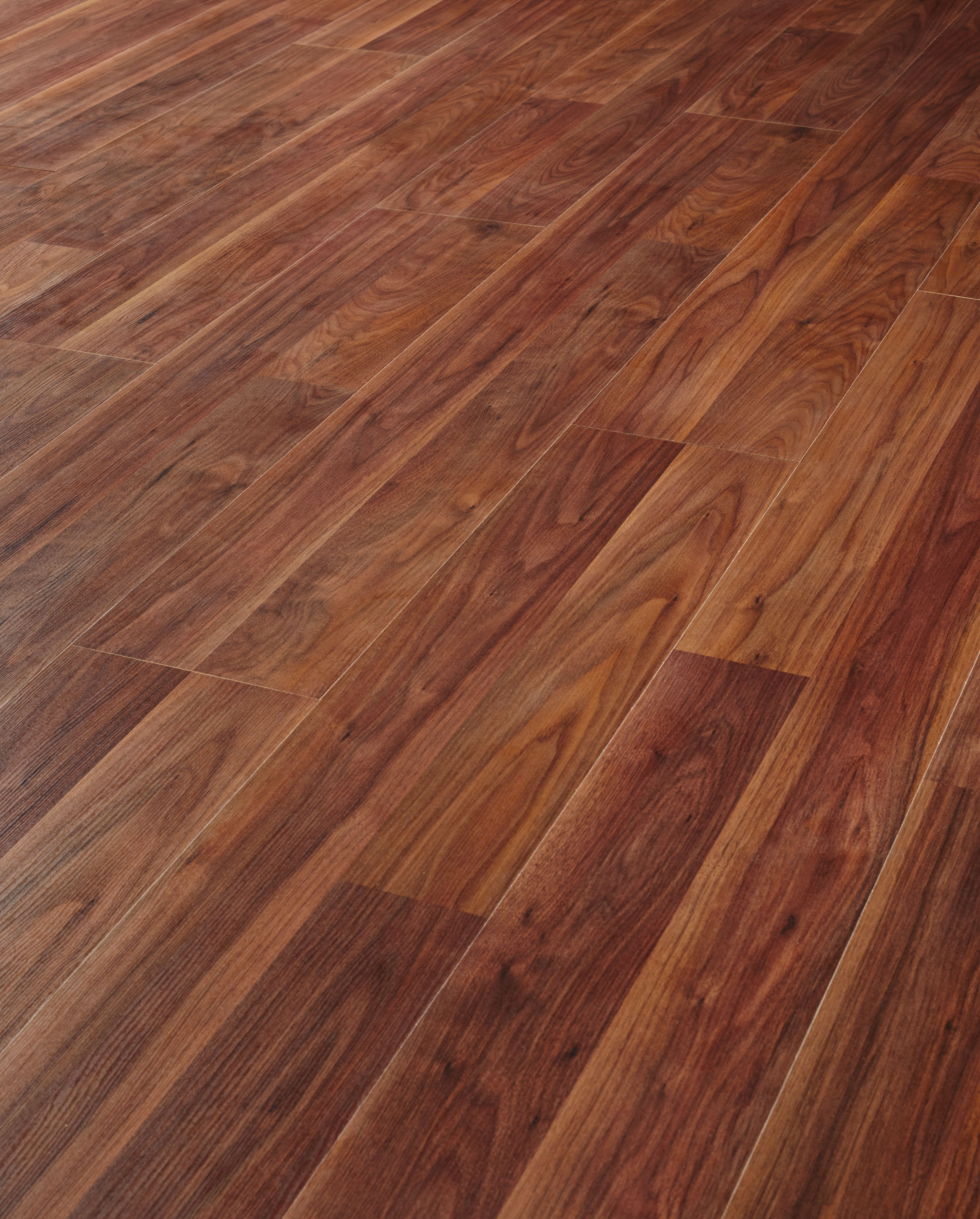 Compare cheap offers & prices of Wickes African Walnut Laminate Flooring manufactured by Wickes