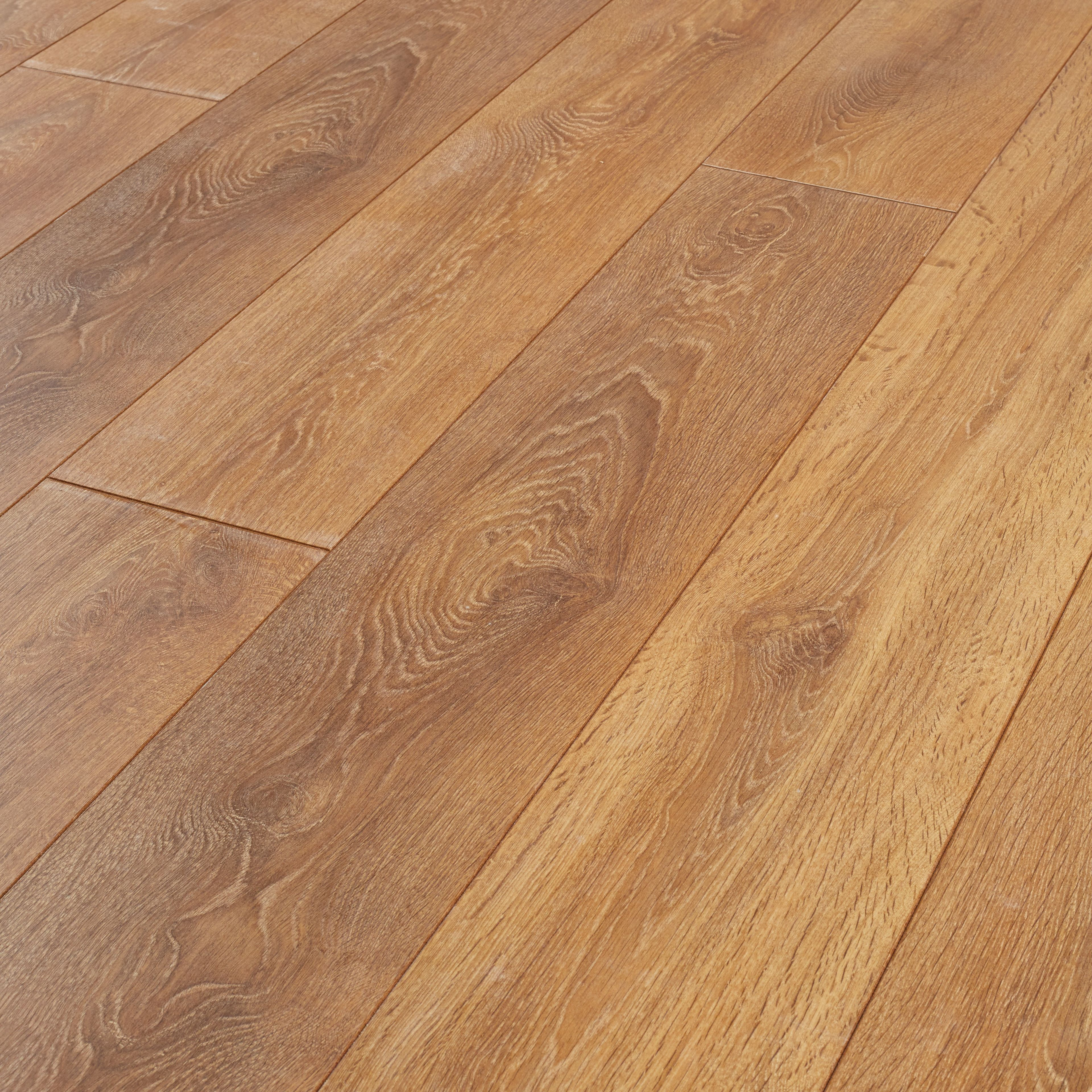 Compare cheap offers & prices of Wickes Aspiran Oak Laminate Flooring manufactured by Wickes