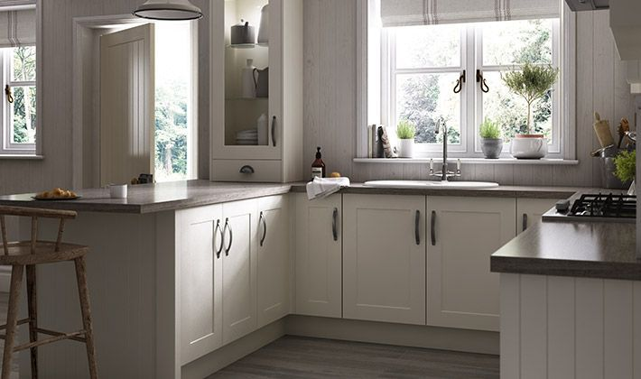 oban ivory shaker traditional range of kitchen | wickes.co.uk