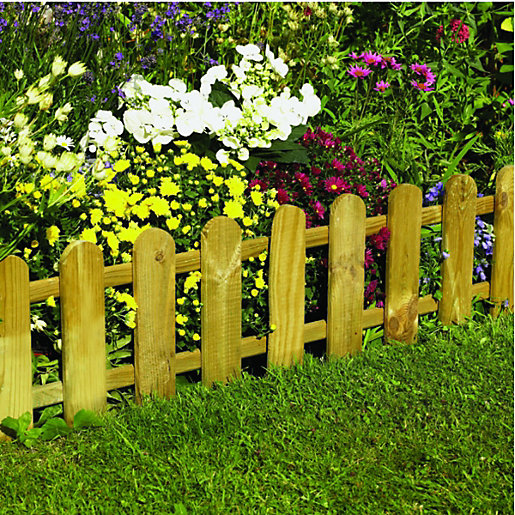 Wickes timber picket fence style border edging 280 x for Borde plastico para jardin