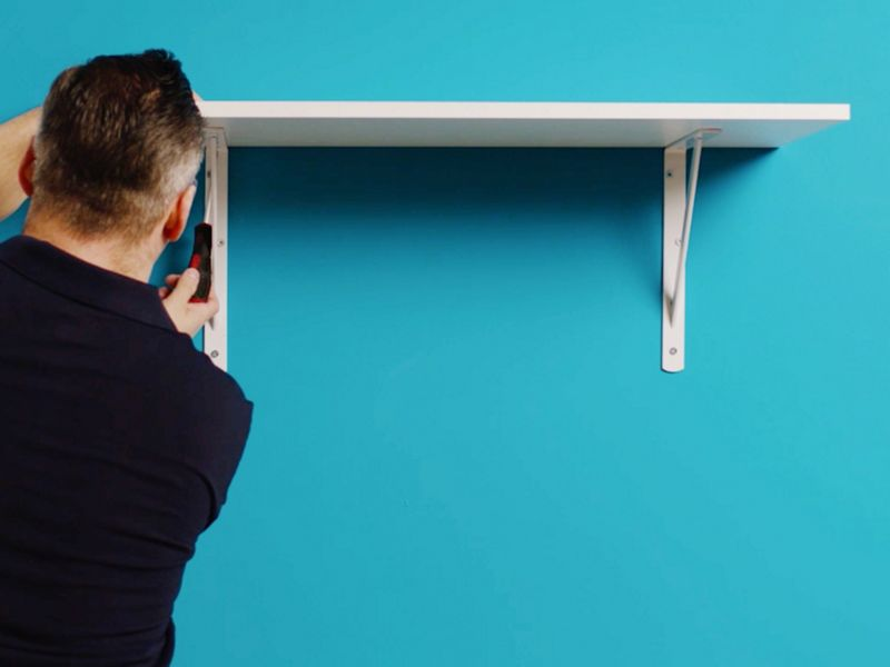 How to put up a shelf