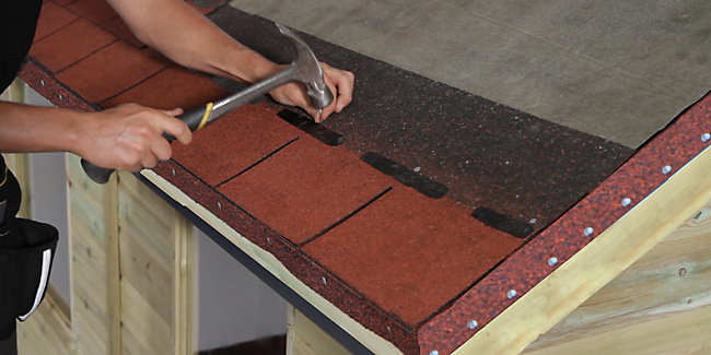 How to Fit Roofing Shingles | Wickes co uk
