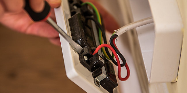 How to Change a Socket | Wickes.co.uk Electrical Wiring A Plug on