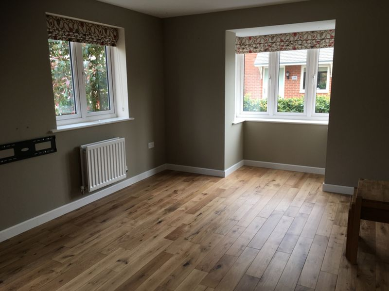 Style Country Light Oak Solid Wood Flooring