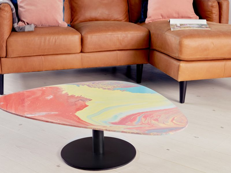 How to paint pour a coffee table