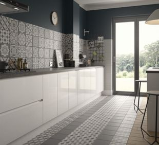 wickes winchester dark grey ceramic tile 200 x 200mm wickes co uk