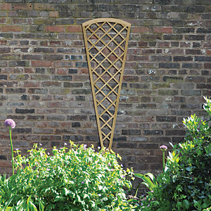 Wickes Traditional Fan Trellis - 1800mm x 600mm