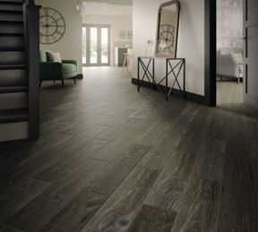 Wood Effect Porcelain Floor Tiles >> Wickes Heartwood Grey Oak Wood Effect Porcelain Tile 850 X 200mm