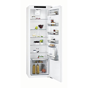 Image of AEG Integrated Tower Fridge SKK8182VDC
