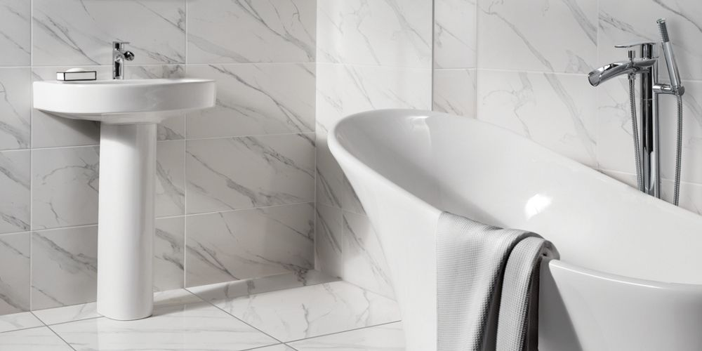 Wickes Calacatta Gloss White Marble Effect Glazed Porcelain Wall & Floor Tile 605 x 605mm