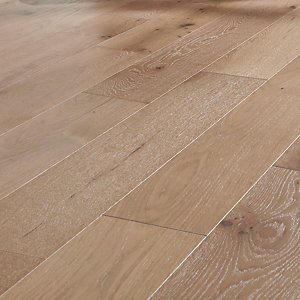 Image of Style City Grey Oak Engineered Wood Flooring - 1.08m2 Pack
