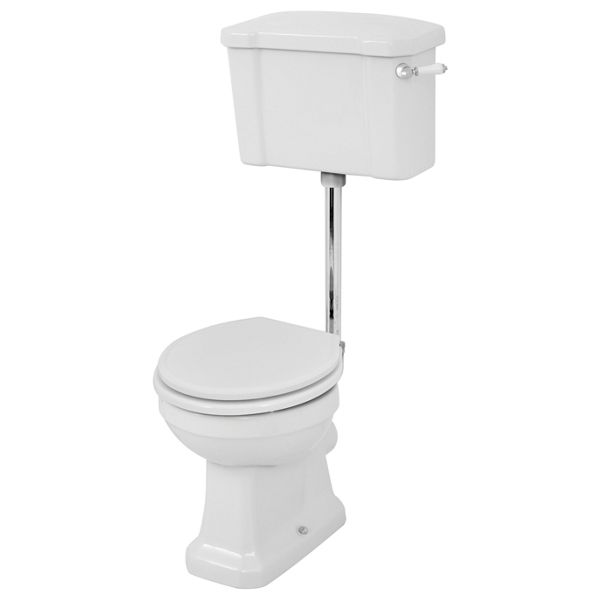 Wickes Oxford Traditional Low Level Toilet Pan, Cistern & White Soft Close Seat