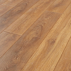 Wickes Aspiran Oak Laminate Flooring 2 22m2 Pack