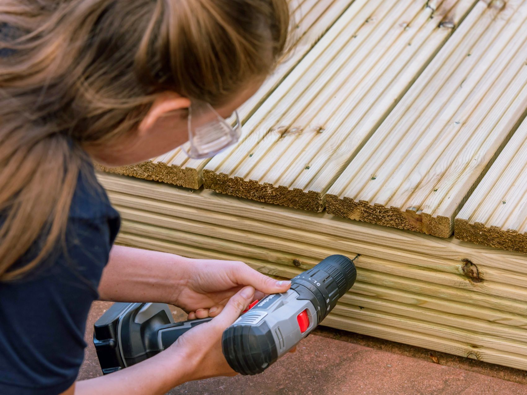 How To Lay A Deck | Wickes.co.uk