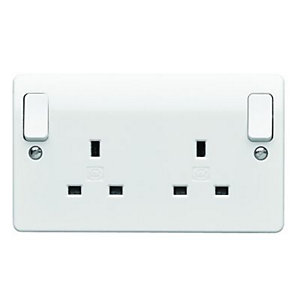 MK 13A Twin Switched Skirting Board Plug Socket