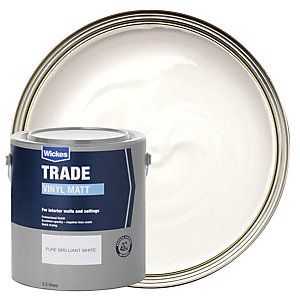 Wickes Trade Vinyl Matt Emulsion Paint - Pure Brilliant White 2.5L