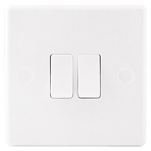 Wickes 10A Light Switch 2 Gang 2 Way White Slimline