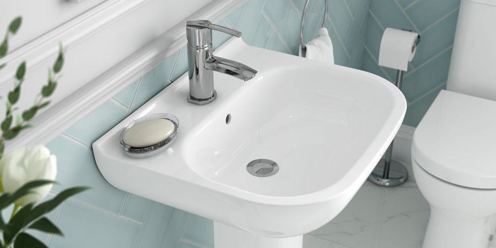 Fitting sinks and taps
