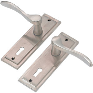 Wickes Bravo Locking Door Handle - Satin Nickel 1 Pair