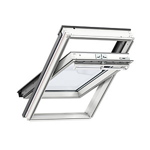 Velux White Painted Centre Pivot Roof Window Wickes Co Uk