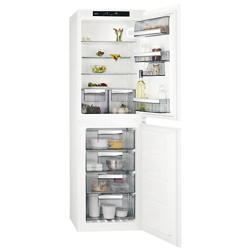 AEG 50:50 Integrated Fridge Freezer SCE8181VNS