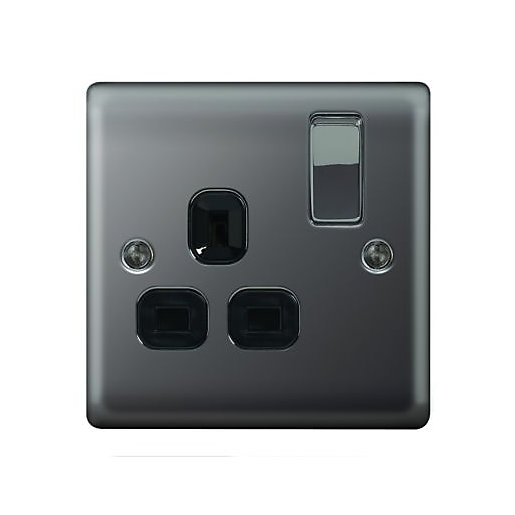 Wickes 13A Raised Plate Single Switched Socket -