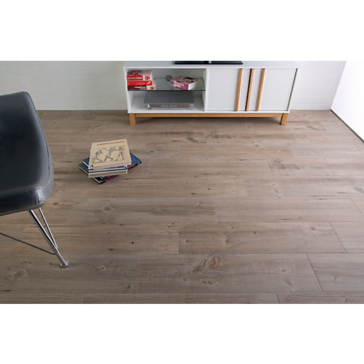 Wickes Heartwood Light Oak Porcelain Tile 850 X 200mm
