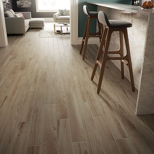 Wickes Selwood Light Oak Wood Effect Porcelain Tile 900 X 150mm