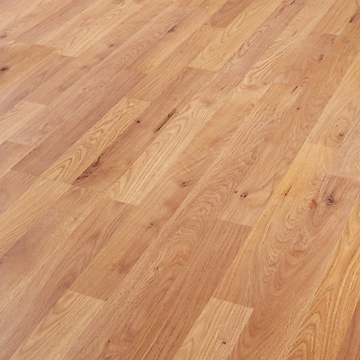 Wickes Oak Laminate Flooring 2 5m2 Pack Wickes Co Uk