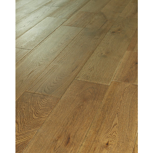 Wickes dusky oak solid wood flooring for Solid oak wood flooring