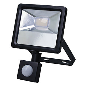 Wickes Aluminium PIR Sensor Floodlight IP44 BlacK 1000 Lumens 10W