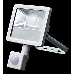 Wickes Aluminium White PIR Sensor Floodlight - 10W