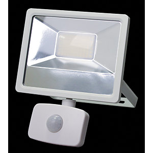 Wickes Aluminium White PIR Sensor Floodlight - 30W