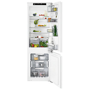 AEG 70:30 Integrated Fridge Freezer SCE8182VNC