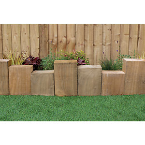 Staggered Sleeper border edging 300 x 600mm