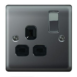 Wickes 13A Raised Plate Single Switched Socket - Black Nickel