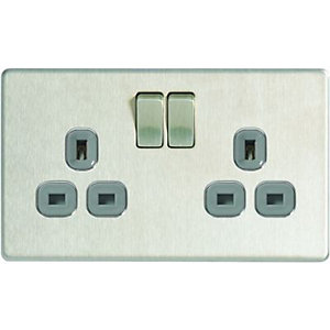 Wickes 13A Screwless Flat Plate Twin Switched Socket - Brushed Silver