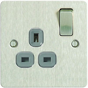 Wickes 13A Single Switched Ultra Flat Plate Socket - Brushed Silver
