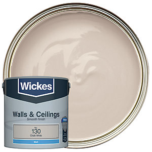 Wickes Vinyl Matt Emulsion Paint - No. 130 Chalk White 2.5L