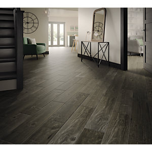 Wickes Heartwood Grey Oak Wood Effect Porcelain Tile 850 x 200mm