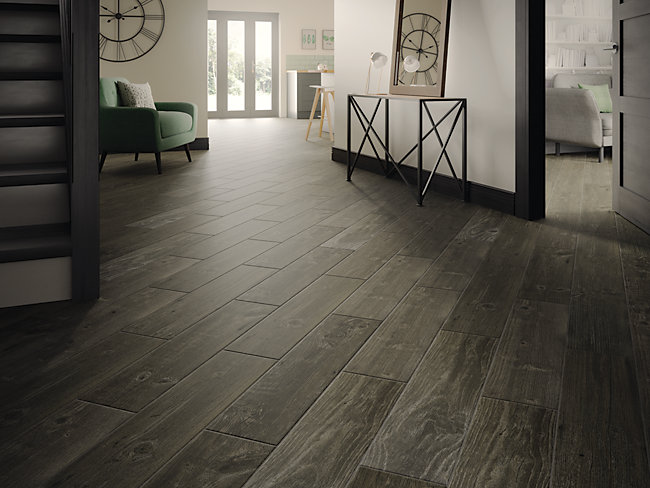 Wickes Heartwood Grey Oak Wood Effect Porcelain Wall Floor Tile 850 X 200mm Wickes Co Uk