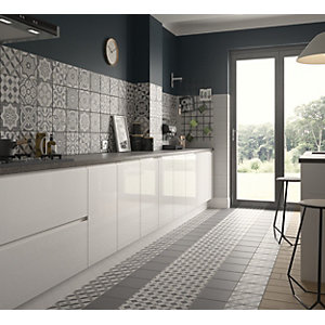 Wickes Winchester White Porcelain Tile 200 x 200mm