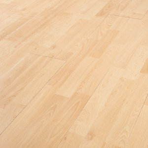 Wickes Beech Effect Laminate Flooring - 2.5m2 Pack