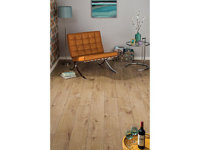 Navelli Light Oak Laminate Flooring