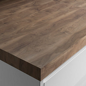 Wickes Wood Effect Laminate Worktop - Romantic Walnut 600mm x 50mm x 3m