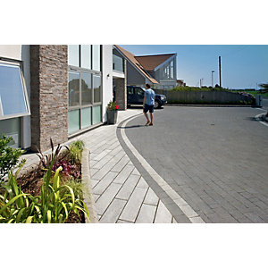 Marshalls Granite Eclipse Textured Dark Grey Mixed Size Paving - 17.9 m2 pack