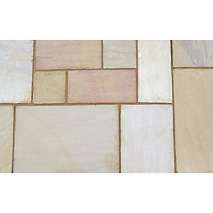 Marshalls Indian Sandstone Textured Buff Multi Circle Paving Kit - 6.34 m2 pack