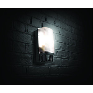 Wickes Black PIR Bulkhead Light - 60W