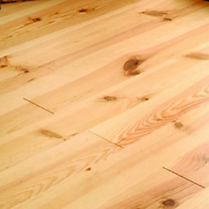 Wickes Bordeaux Pine Solid Wood Lacquered Flooring